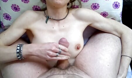 Češke lezbijske djevojke ližu bebu ukazivanje i vrhunac u vrućim se xfilm 69