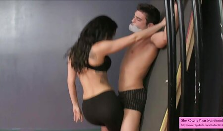 Plavokosa tinejdžerka masturbira bizarre sex films na web kameri vidi vezu