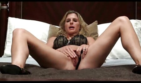 Brazzers camping sex film - Cassie i Nicolette dijele pijetao uz bazen