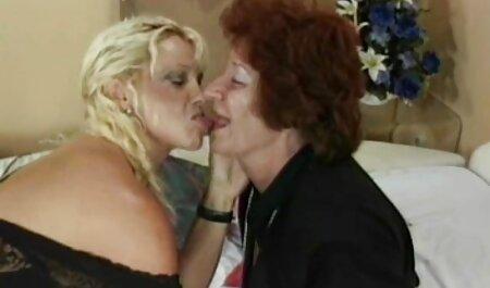 Međurasni swingeri, lezbijke u troje strapon s krznenom porno video sex film pičkicom