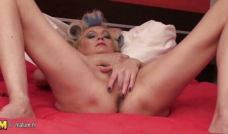 Lateški dildo latex sex film je jebao lutku uživo Nikki Tristan!