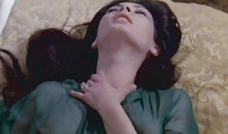 Blair Williams lezbijske škare na porno sex film gratis bazenu