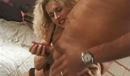 - Češka brineta Ferrera Gomez strastveno mamasexfilm jebe u bazenu
