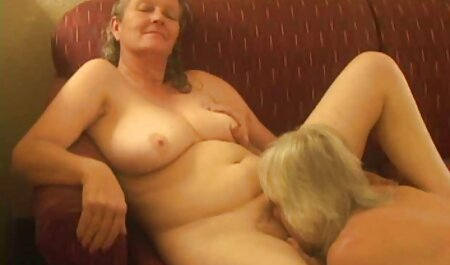Kira Nicole u erotic pornofilm čarapama