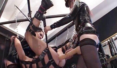 Prekrasan model prstena visokog najlona sex film lesbian