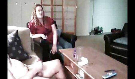 Prsata Lola masage sexfilm igračka je dlakava kapa