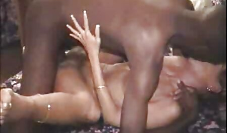 Seksi sitna kurva mom sexfilm međurasni i lica
