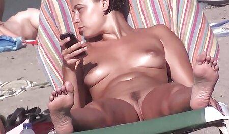 Biseksualne sexfilms2019 djevojke jebu se dobro na pidžami zabavi