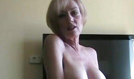 Romy perverse sexfilm kiša uzima veliki tvrdi kurac i šprice