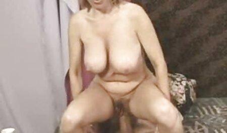 Vruća djevojka se jebe s velikim kurac sex film swingers