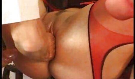 Skrivanje malih grudi plavuša Goldie amatur sex film Glock analni jebeni